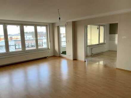 5,5 Zimmer Maisonette-Wohnung mit Terrasse/Balkon in Heusenstamm