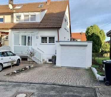 Wohnoase in Filderstadt-Bonlanden! Schönes und charmantes Reiheneckhaus mit Einliegerwohnung!