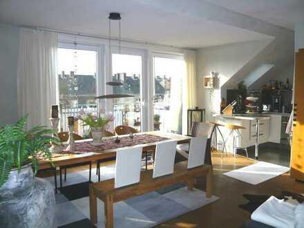 Kreuzviertel: lichtdurchflutete 3-Zimmerwohnung mit großem Süd-West Balkon