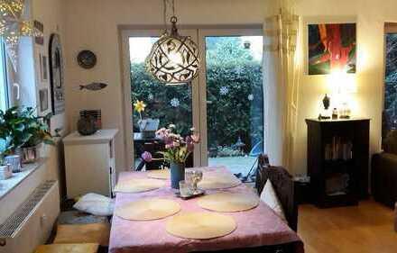 von Privat! 4-Zimmer-Maisonette-Wohnung mit Terrasse und Garten in Frankfurt
