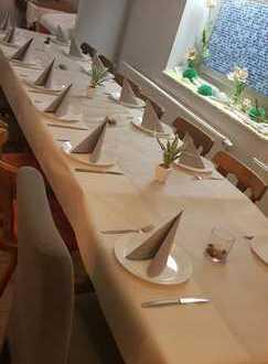 Sehr gut eingeführtes Restaurant abzugeben