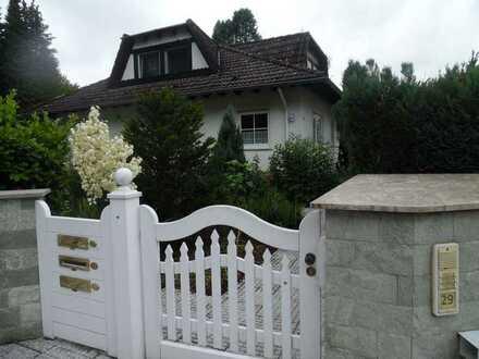 Schöne 2-Zimmer Wohnung in ruhiger Waldrandlage/Bungalow im Parkähnlichen Anwesen
