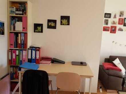 Gepflegte 2-Zimmer-Wohnung mit Balkon und EBK in Pohlheim