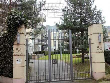 Babarossa Park: möblierte Erdgeschoss-Wohnung mit Terrasse und Gartenbenutzung