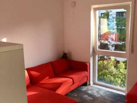 Sehr gepflegte möbilierte 1 Zimmer Wohnung mit Balkon (priv. ohne Makler)