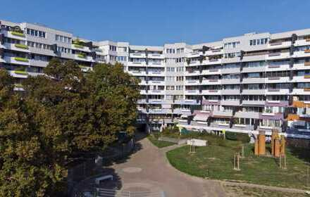 Sanierte großzügige 3,5 Zimmer Whg. mit Balkon und genug Stauraum
