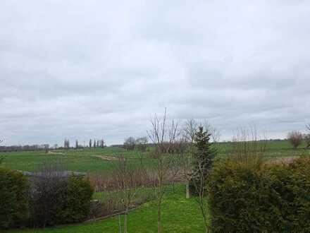 idyllisch am Feldrand + großer Wohnbereich mit Kamin ---- Einfamilienhaus / Ferienhaus