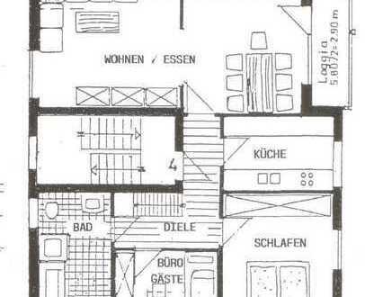Ansprechende 3-Raum-Dachgeschosswohnung mit EBK und Balkon und 2 Zimmer im Spitzboden
