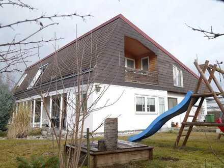 Großes Zweifamilienhaus mit Gewerbemöglichkeit!
