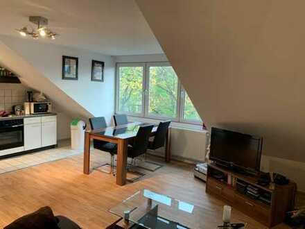 2-Zimmer Dachgeschosswohnung in ruhiger Lage Kölns