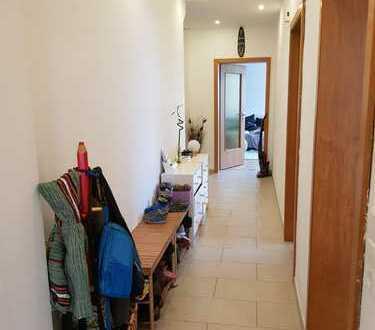 4-Zimmer-EG-Wohnung mit Balkon in Oberotterbach mit Garage und 2 Kellerräume.