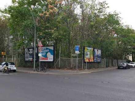 Versteigerung eines Grundstückes in Berlin.