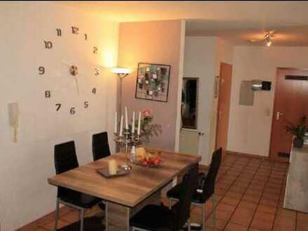 Gepflegte 4-Zimmer-Wohnung mit Balkon und Einbauküche in Grafenberg