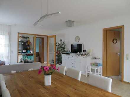 Attraktive 3-Zimmer-Wohnung mit Balkon und Tiefgaragenplatz