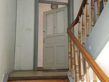 Charmante 5-Zimmer Wohnung im Herzen von Pfersee zur Miete
