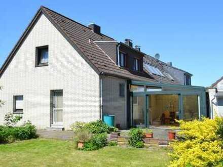 Einfamilienhaus mit Bauparzelle ideal für Handwerker in Viersen-Rahser
