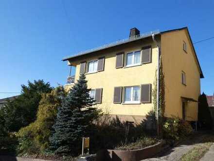 Renovierungsbedürftiges 2-Familien-Haus mit großem Grundstück in Wi.-Naurod