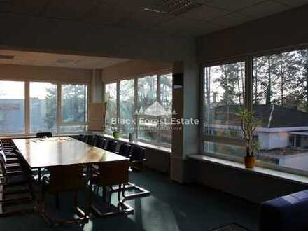 1.600 qm Büro-/Praxisfläche mit guter Anbindung zu vermieten!