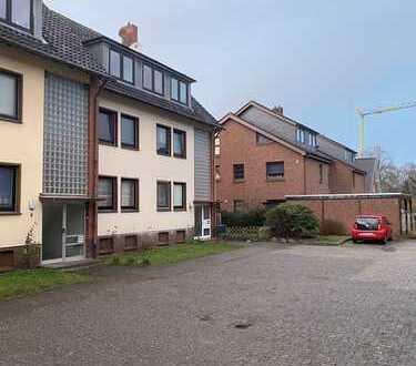 Erstbezug nach Sanierung: stilvolle 3-Zimmer-Dachgeschosswohnung mit Einbauküche in Oldenburg