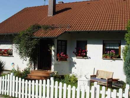 Ansprechendes 7-Zimmer-Einfamilienhaus mit EBK in Schweisweiler, Schweisweiler