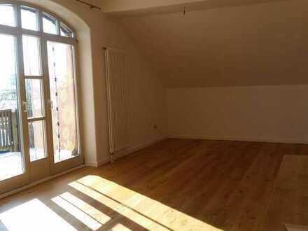 Attraktive 2-Zimmer-Wohnung mit Balkon und EBK in Eggenfelden