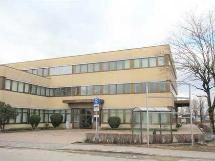 Moderne Büroräume mit Glaswänden im Erdgeschoss auf 370m² in Karlsfeld bei München