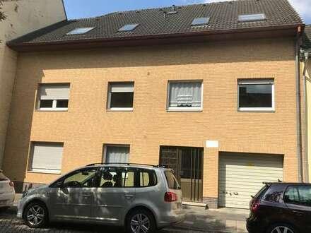Im Dachgeschoss mit Balkon und Gartenanteil in Innenstadtnähe!