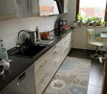Tolle Lage im Zentrum von HDH - 4-Zimmer-Wohnung mit Balkon und Einbauküche