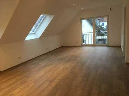 Erstbezug: Helle 3-Zimmer-Wohnung mit gehobener Innenausstattung & Gartenmitbenutzung in A'burg