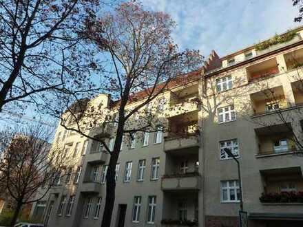 Zauberhafte Altbauwohnung mit viel Charme in ruhiger Kiezlage von Steglitz