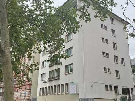 3-Zimmer-Wohnung mit Blick auf den Main