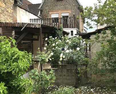 *NEU* Schönes freistehendes Einfamilienhaus, ideal für Handwerker!