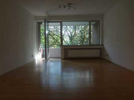 Sanierte 2-Zimmer-Wohnung mit Balkon in Aachen