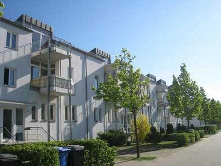 Schöne helle 2-Zimmerdachgeschosswohnung mit Südbalkon nahe Berlin zu vermieten