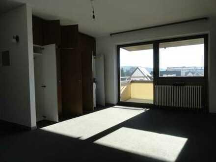 """KL - Ost, 1 Zimmer Appartement mit Pantryküche, Balkon, Stellplatz, Tageslichtbad """"Aufzug"""""""