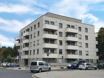 Neuwertige 4-Raum-Wohnung mit Balkon und Einbauküche in Dresden