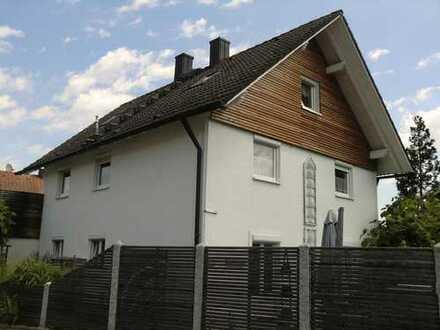 Familienfreundliches Einfamilienhaus mit Garage in Offenstetten