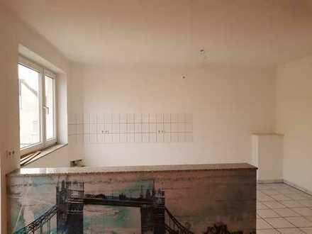 Vollständig renovierte 3,5-Zimmer-Maisonette-Wohnung mit Balkon in Rath/Heumar, Köln