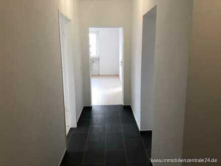 """Renovierte 3 Zimmer Etagenwohnung, mit Balkon und toller Aussicht """"MAINTAL"""""""
