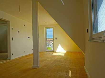 Hochwertig renovierte 3 Zi. DG Wohnung zu vermieten! Haus 9+11