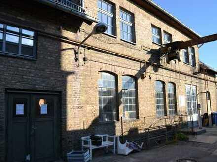 Wohnen in rustikalem Fabrikambiente