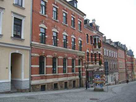 Großzügige 4-Raum-Wohnung in Zentrum von Treuen