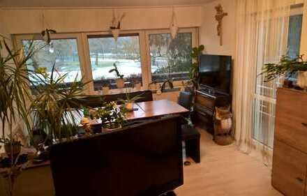 Gepflegte, 2-Zimmer-Wohnung mit großem Balkon und voll möbeliert in Moosach, München