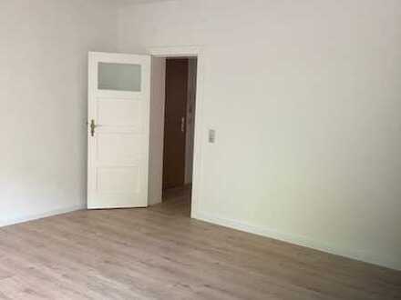Schöne und geräumige 1 -Zimmerwohnung mit großer Wohnküche