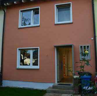 Schönes Reihenmittelhaus mit fünf Zimmern im Hochtaunuskreis, Oberursel (Taunus)