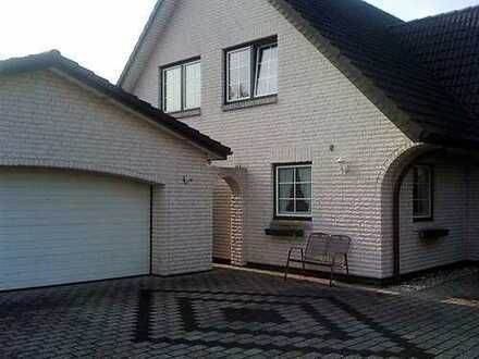 Gehobenes Familienhaus mit Wintergarten !