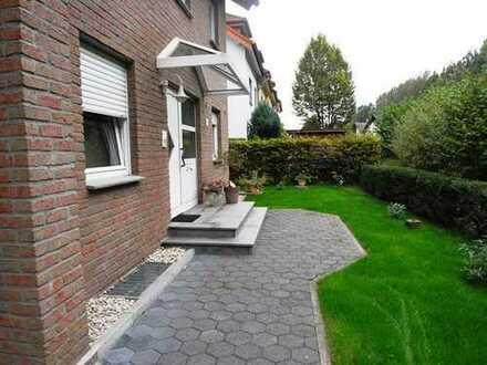 Schicke Wohnung mit Garten und Terrasse