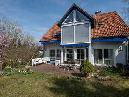 Sehr gut geschnittenes Einfamilienhaus in bester Lage von Stockdorf