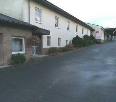 Gewerbebetrieb mit Wohnhaus, Bürotrakt, 3 Werk-/Lagerhallen mit Photovoltaikanlage, Kirchborchen