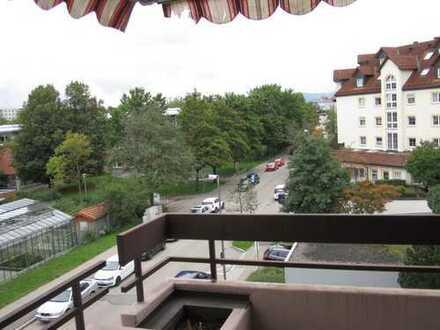 tiptop 3 Zi.-Wohnung ** renoviert und zentral ** (EBK und Balkon)